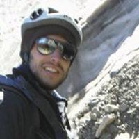 Certificación: Guía de Trekking (EPGAMT) Experiencia como Guía: 18 años Cumbres en Aconcagua: 15 (2018) Idiomas: Español /Inglés