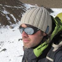 Certificación: Guía de Trekking (EPGAMT) Experiencia como Guía: 12 años Cumbres en Aconcagua: 17 (2018) Idiomas: Español /Inglés