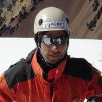 Certificación: Guía de Alta Montaña (EPGAMT) Experiencia como Guía: 3 años Cumbres en Aconcagua: 14 (2018) Idiomas: Español /Inglés / Portugués