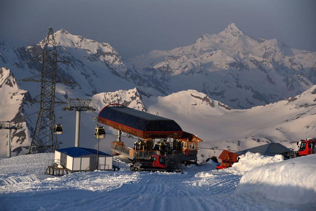 07A-Garabashi-Cable-Car-Station-3847m-With-Mount-Shdavleri-On-Mount-Elbrus-Climb